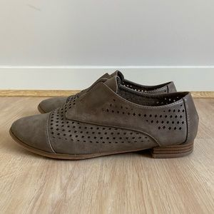 Oxford style shoes size 7